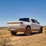 rivian menjadi produsen pembuat mobil listrik pickup pertama